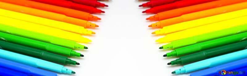 Brightly colored markers in two rows №16829