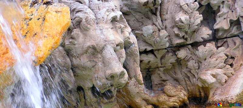 Abdeckung. Skulptur Löwe in den Brunnen. №12522