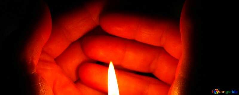 Abdeckung. Kerze in der hand. №18118