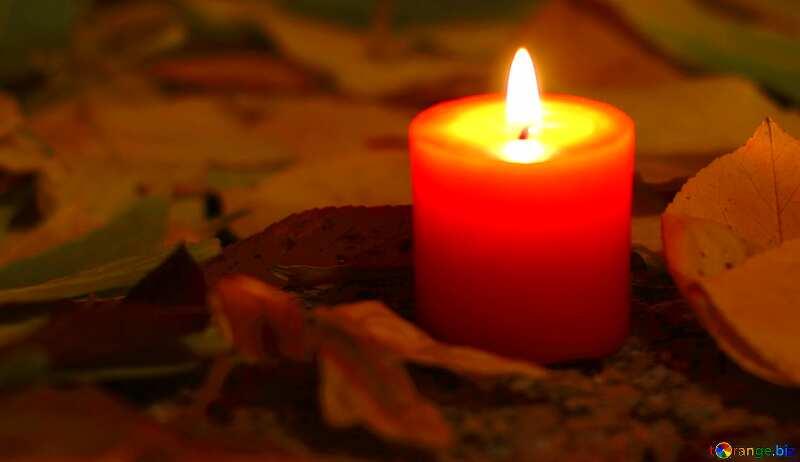 Abdeckung. Kerze auf dem Grab. №24255