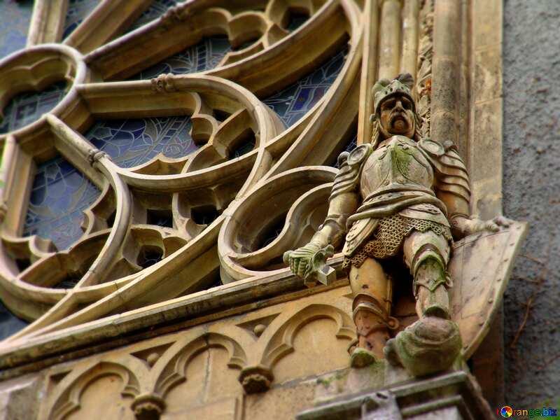 Sculptures on facade №32035